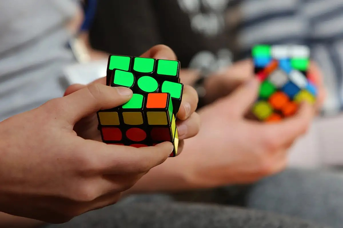 hight resolution of it s not you solving a rubik s cube quickly is officially hard