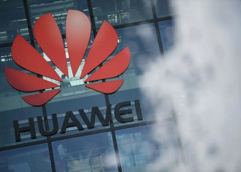 UK government approves Huawei 5G deal despite security fears