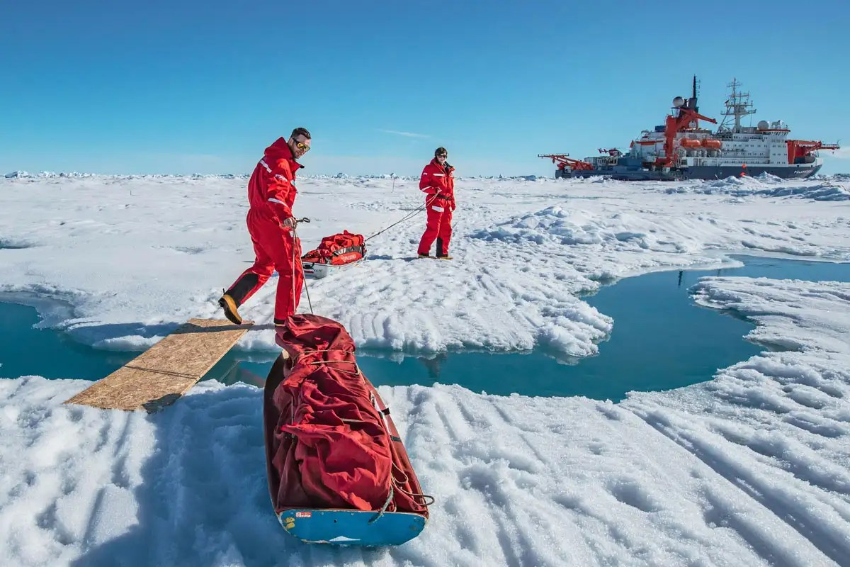 Arctic explorers find unusually thin ice as a result of climate change