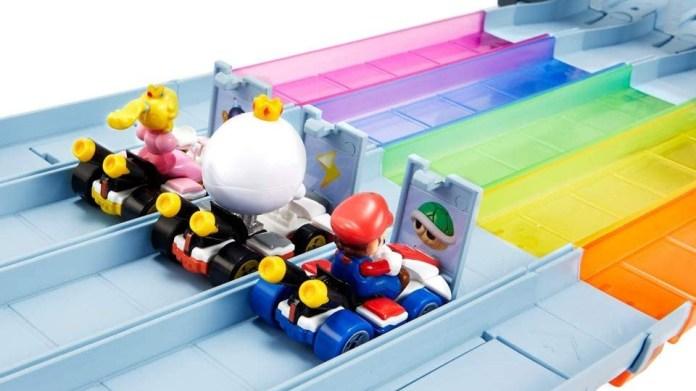 Hot wheels Mario Kart rainbow road raceway track