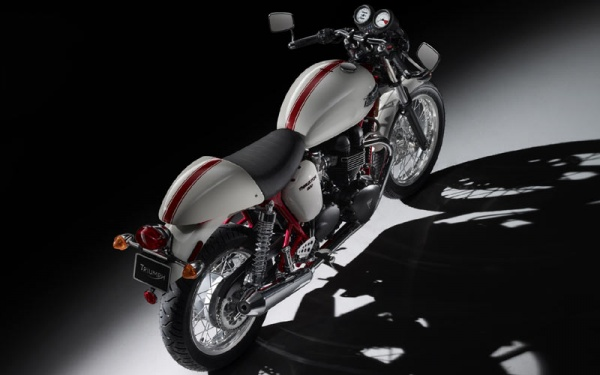 Triumph 2010 Thruxton Special Edition 1 Triumph Introduces 2010 Thruxton Special Edition