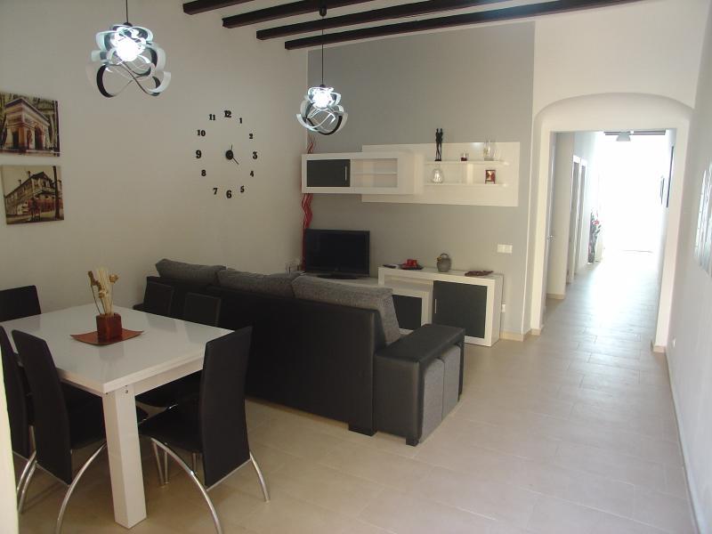 Amplia oferta alquiler apartamentos baratos calella de palafrugell. Alquiler casa en Calella, Cataluña con piscina privada y ...