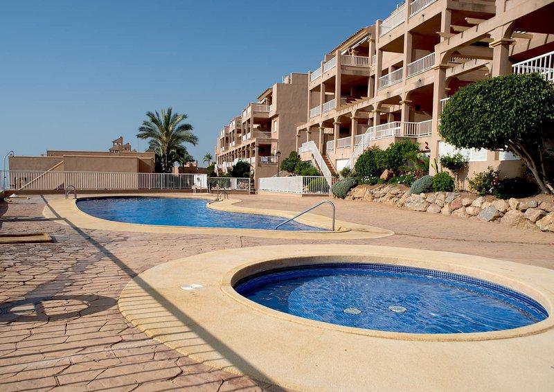 Jardín, vistas al mar & paseos o senderismo cerca,. Alquiler apartamento en Mojacar Playa, Andalucía con ...
