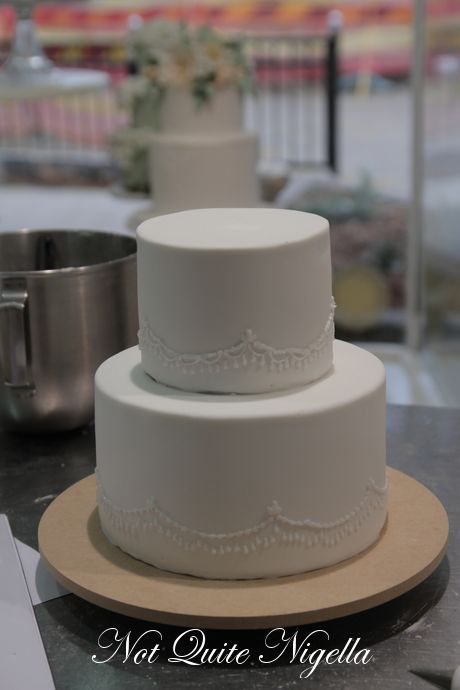 Two Tier Wedding Cake On Cakes With Cly 11