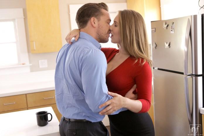 NubileFilms.com - Kyle Mason,Lena Paul: Morning View - S29:E15
