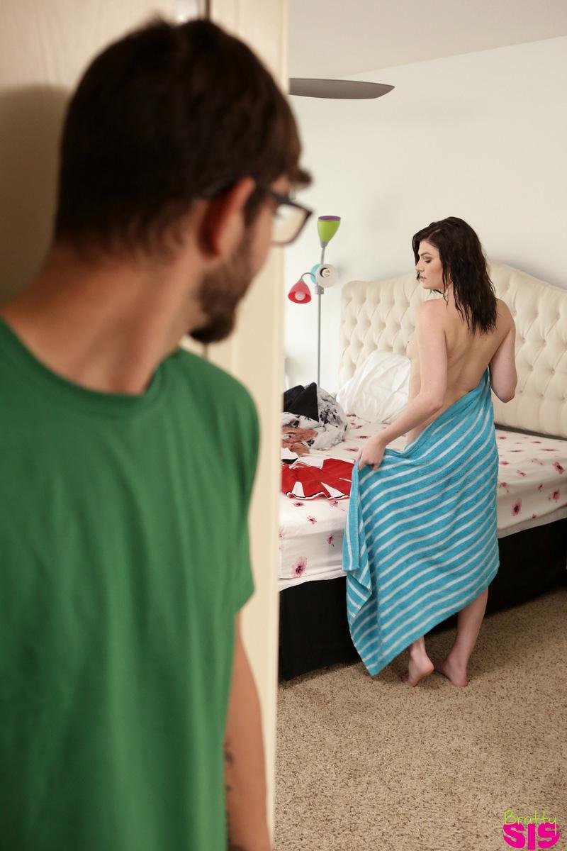 brattysis.com - Jessica Rex: Sex Crazed Step Sister - S4:E6