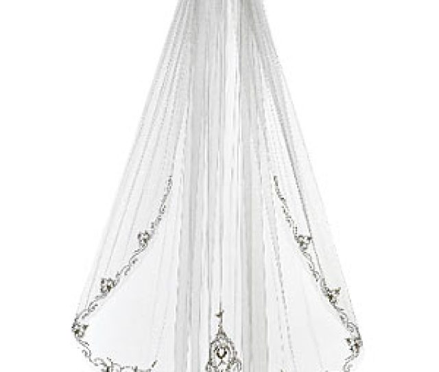 Decorative Veils Are Making A Comeback Consider These Six Lovely Options