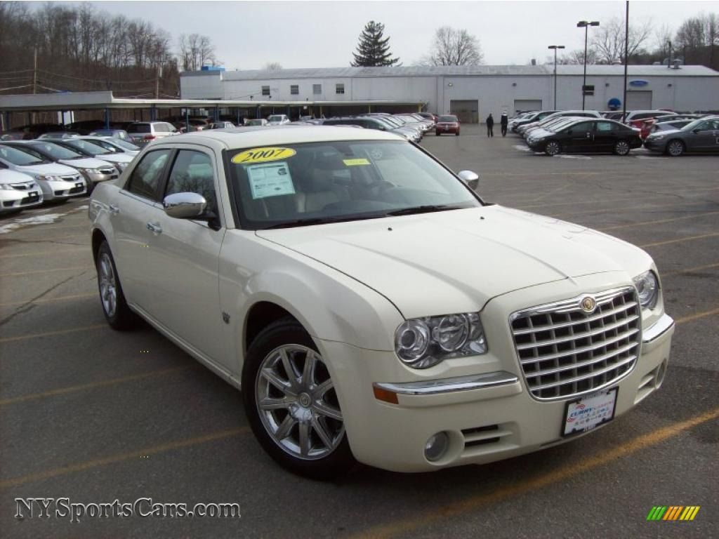 hight resolution of cool vanilla dark slate gray light graystone chrysler 300 c hemi