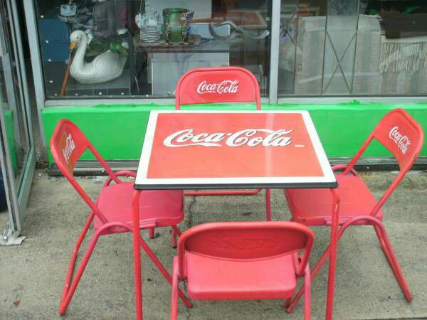 coca cola chairs and tables eames reading chair vintage 1950 s coke porcelain top table four metal