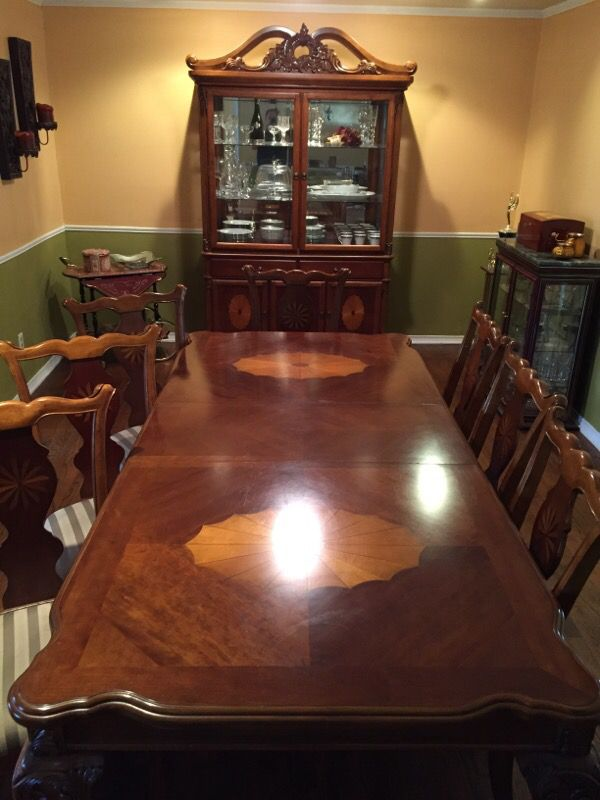 Ashley Glen Eagle Signature  Table Chairs and China Cabinet  Furniture Dining Room for Sale