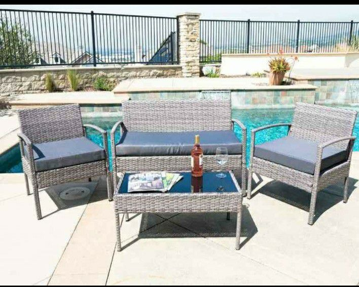 brand new 4 piece patio furniture