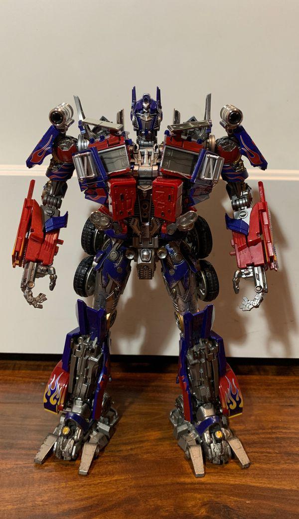 Transformers Masterpiece Movie Wei Jiang Black Apple Optimus Prime MPM 4 for Sale in Garden Grove. CA - OfferUp