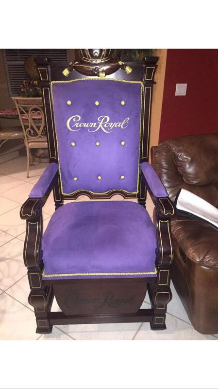 Crown Royal Throne for Sale in West Palm Beach, FL