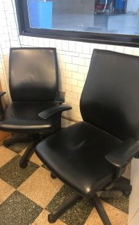 Like new office chairs for Sale in Riverwoods, IL