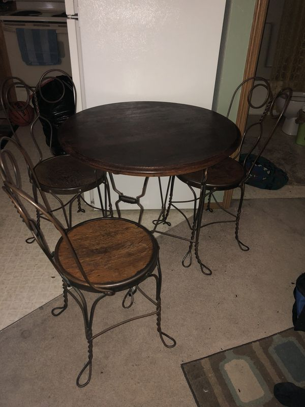ice cream table and chairs most comfortable portable chair authentic for sale in graham wa offerup