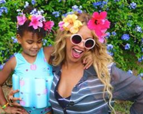 Bey and Blue Ivy wear matching headbands [Beyonce/Instagram]