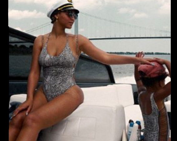 Like mother, like daughter – Beyonce and Blue Ivy wear matching swimsuits [Beyonce/Instagram]