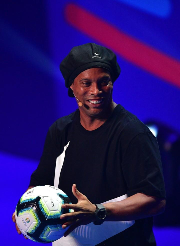 Ronaldinho en el escenario.
