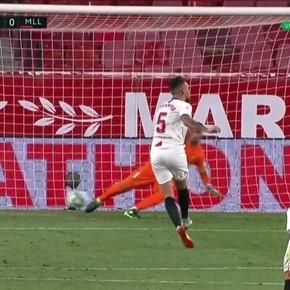 Ocampos pateó el penal como Ronaldinho