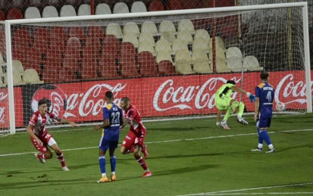 El festejo de Unión tras el 1-0 de Peñailillo (Foto: JUAN JOSE GARCIA)