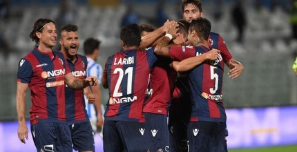 Bologna players celebrate (Twitter)