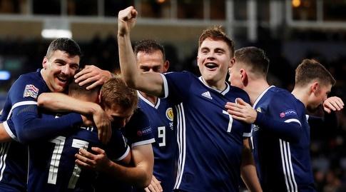 Scotland players celebrate (Reuters)