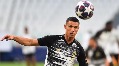 Cristiano Ronaldo in the heat (Reuters)