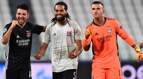 Lyon players celebrate (Reuters)