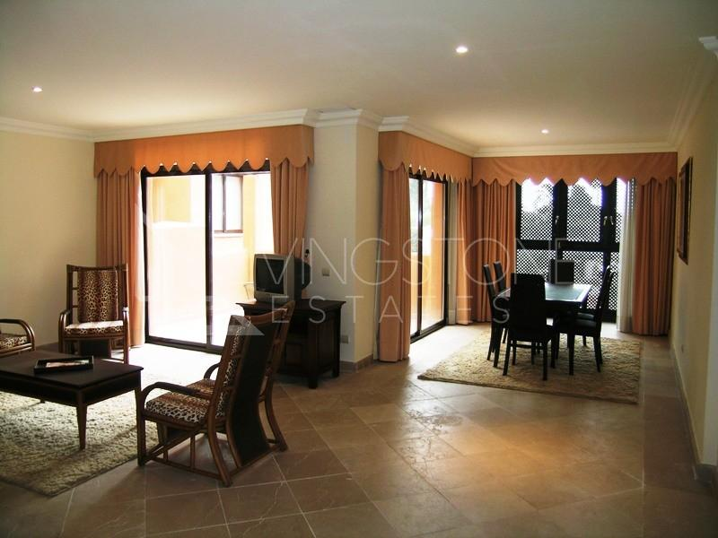 High quality spacious apartment in AGH Hotel complex security guard sat tv alarm close to