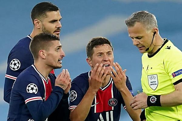 PSG players Marco Verratti and Ander Herrera accuse referee Bjorn Kuipers of swearing at club's players during Manchester City defeat