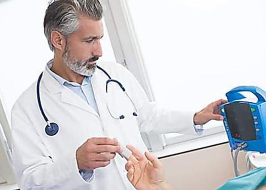 Deutschlands Experte für Bluthochdruck verrät: so einfach senken Sie Ihren Bluthochdruck ohne Pillen!