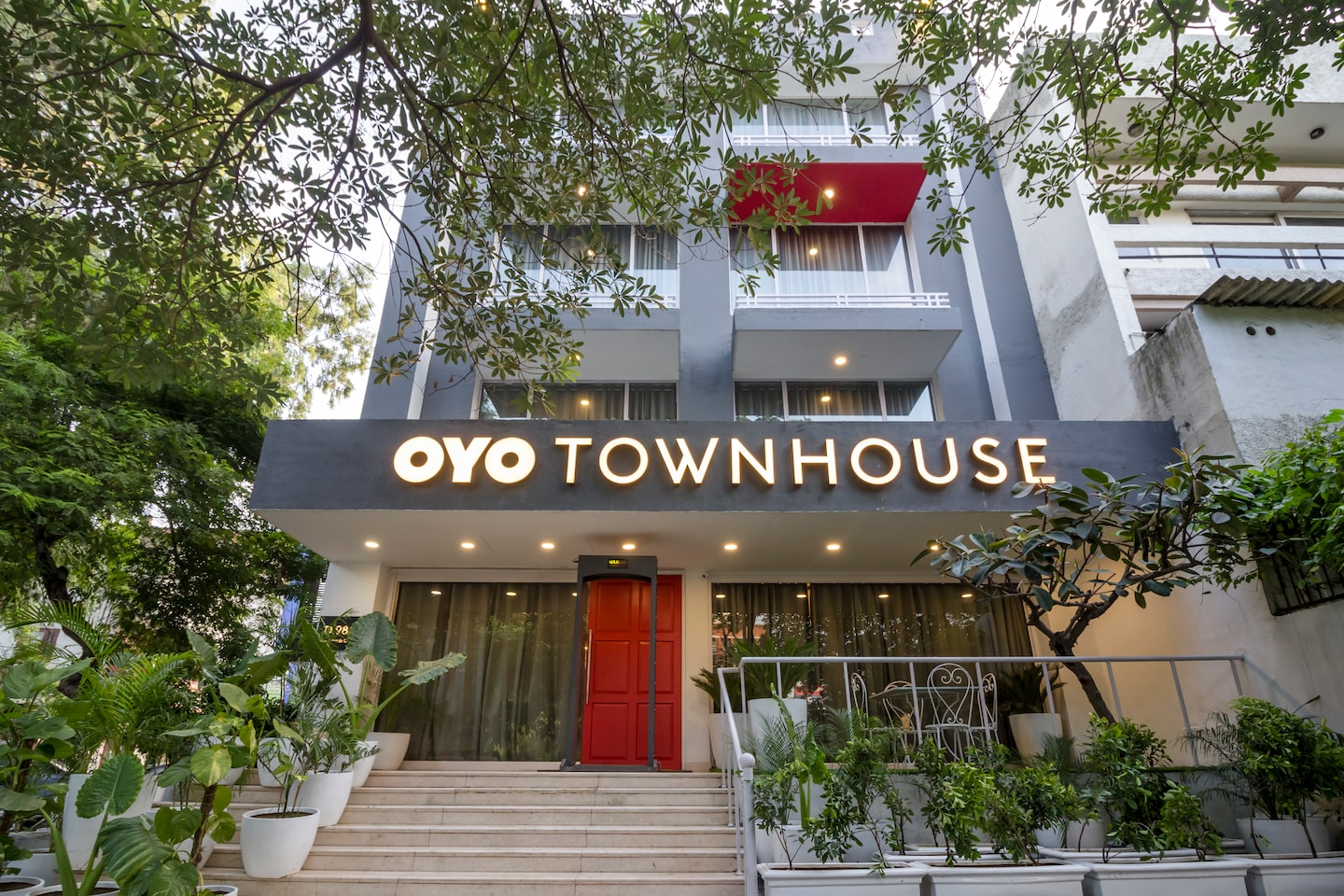 OYO Townhouse 013 New Friends Colony Delhi  Delhi Hotel