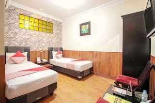 Hotels Near Hummingbird Eatery Bandung With In House