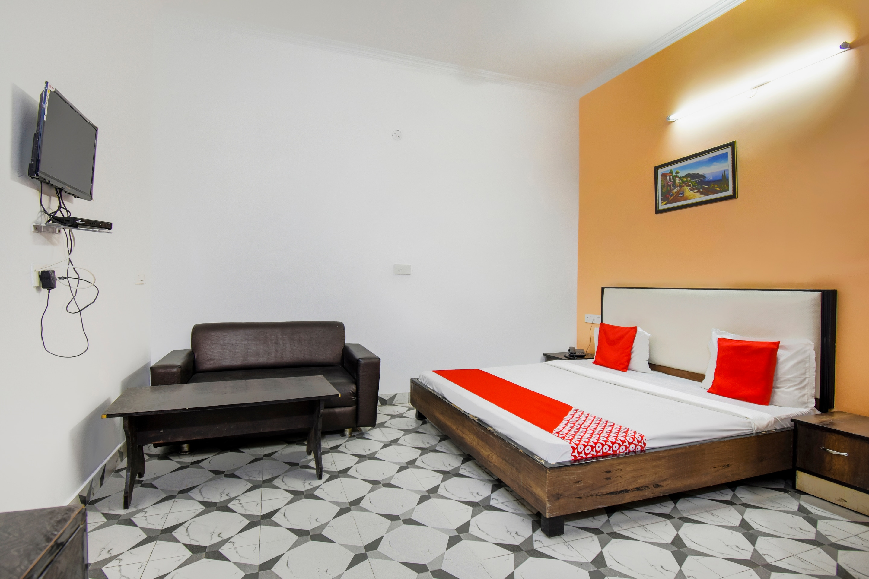 Budget Hotels In Opp Bus Stand In Sangam Cinema Amritsar
