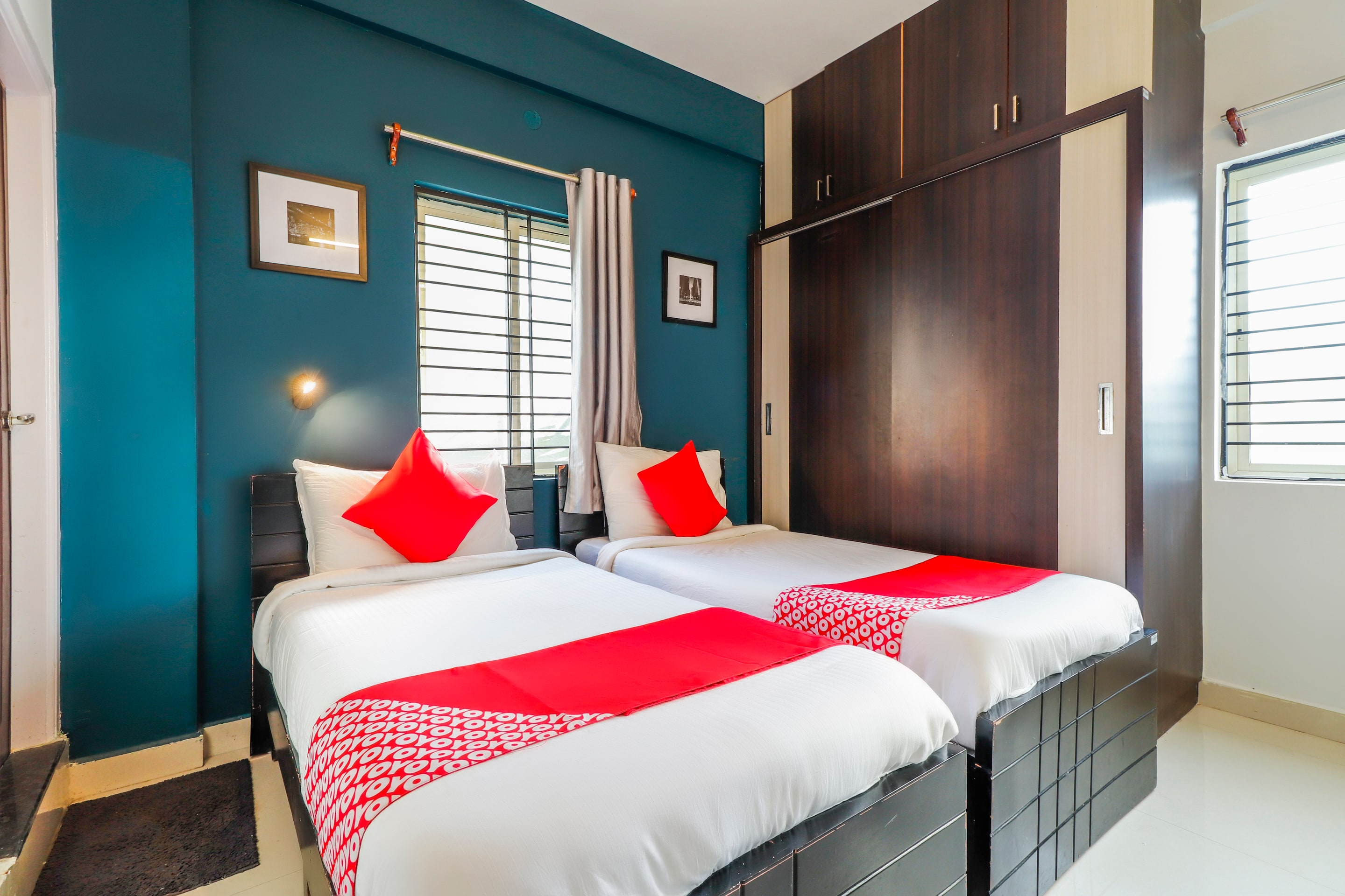Hotels In Vidyanagar Cross Bangalore With Complimentary