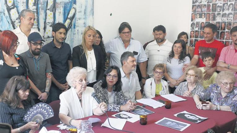 """""""Feliz año y hasta el próximo nieto"""", dedicó Estela de Carlotto al cierre de la conferencia de prensa."""