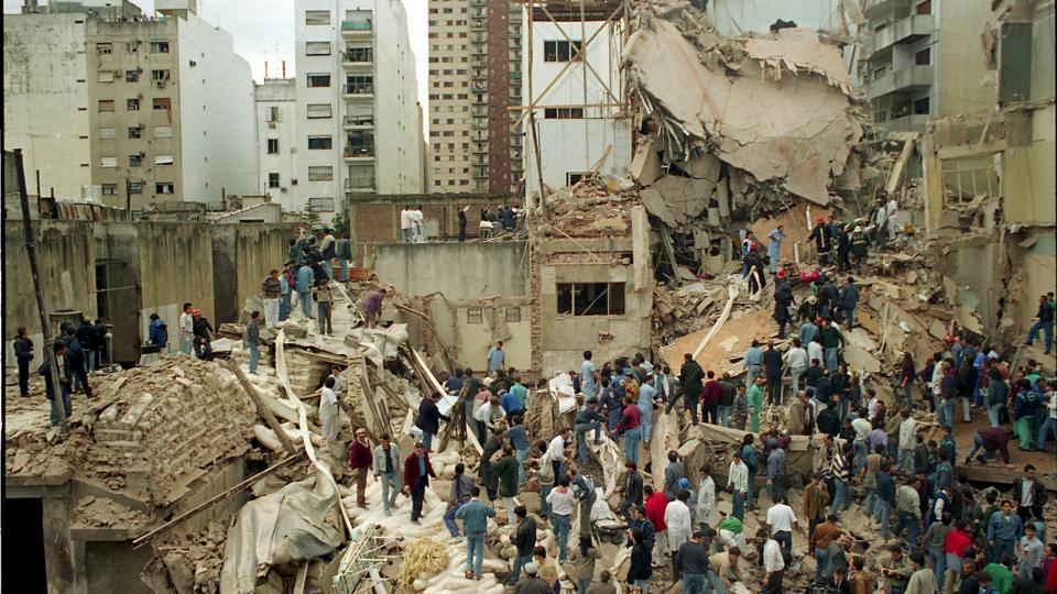 Resultado de imagen para atentado AMIA 25 años