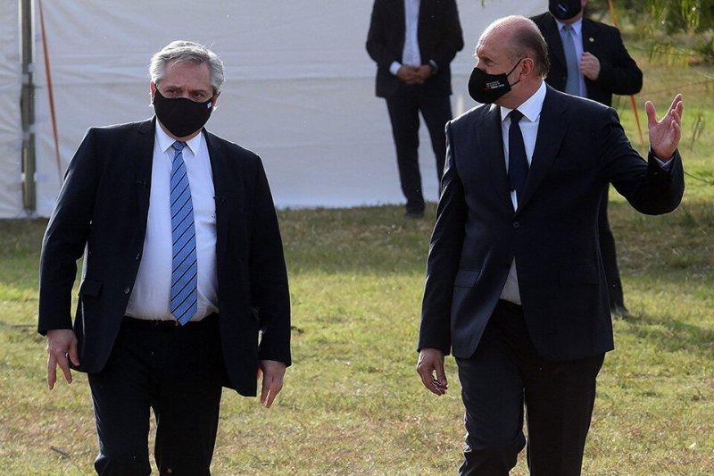 El presidente y Perotti repasaron la situación sanitaria de Santa Fe. (Fuente: Sebastián Granata)