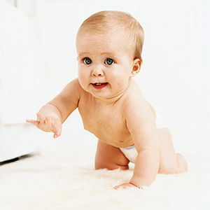 baby crawling when do