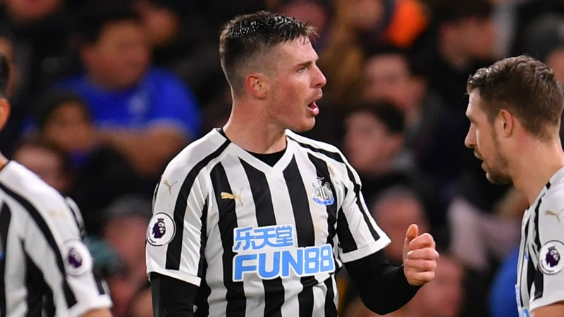 Ciaran Clark Newcastle 2018-19