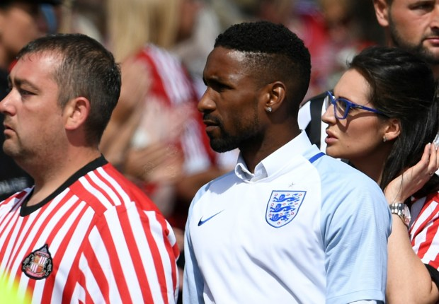 Defoe joins thousands of mourners for Bradley Lowery funeral