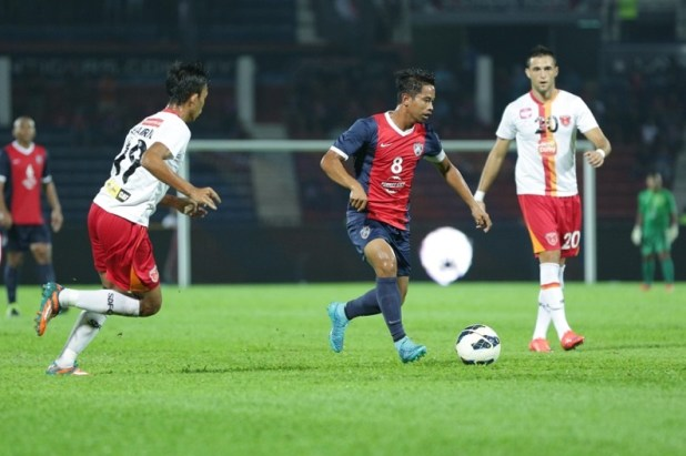 JDT skipper Safiq Rahim in the thick of things against Sime Darby FC.