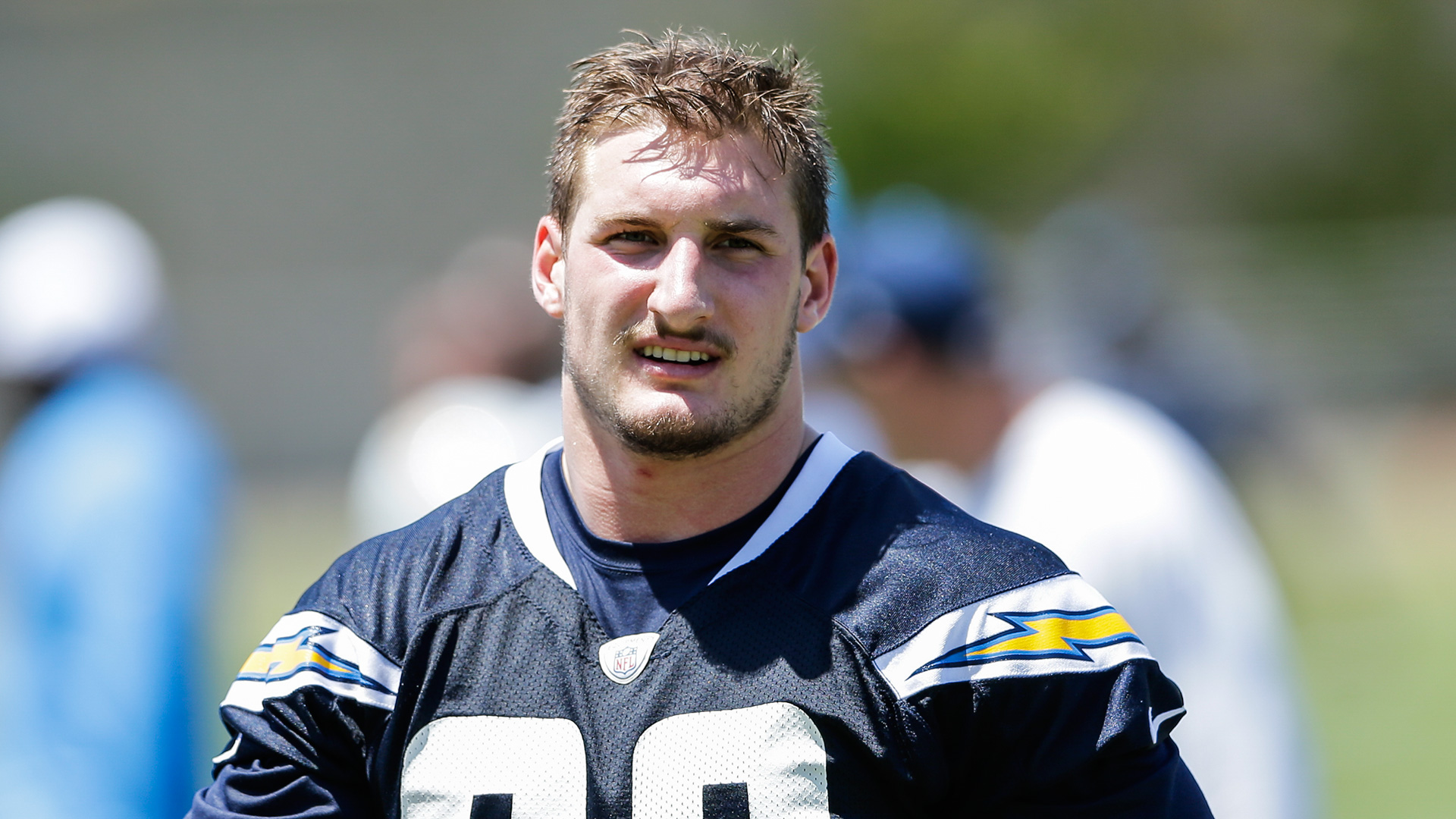 Chargers Inability To Sign Joey Bosa Is Embarrassing And