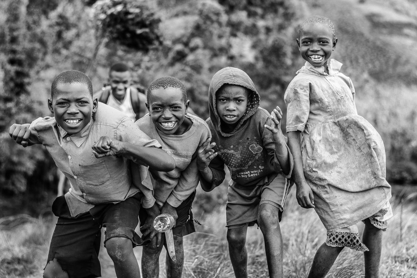 """Résultat de recherche d'images pour """"african child white and black"""""""
