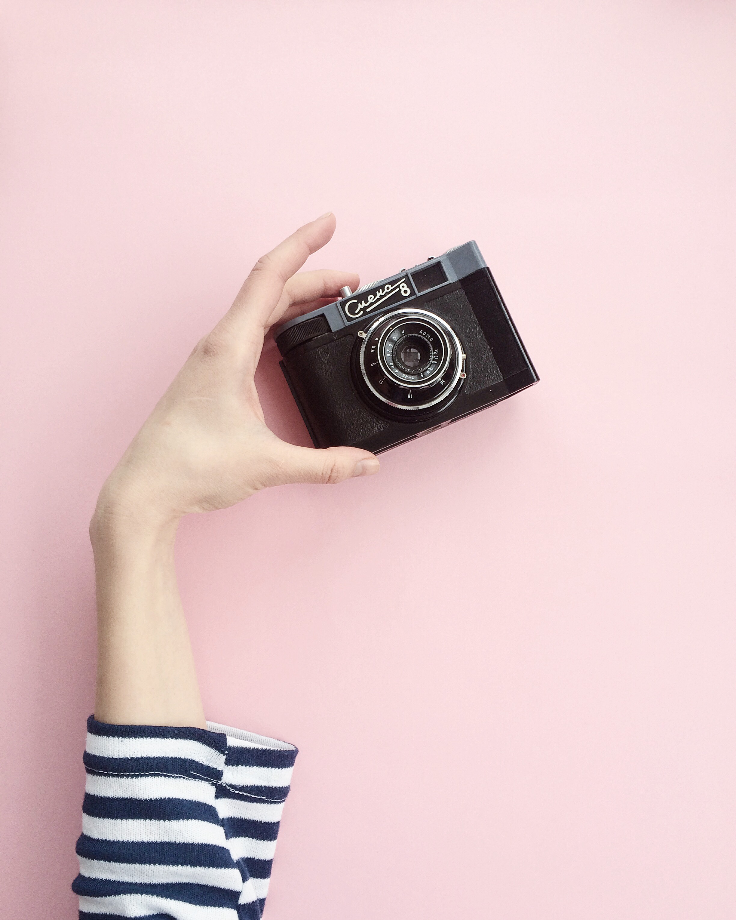 Camera Girl Photography Wallpaper Person Holding Black Canon Dslr Camera Shallow Focus