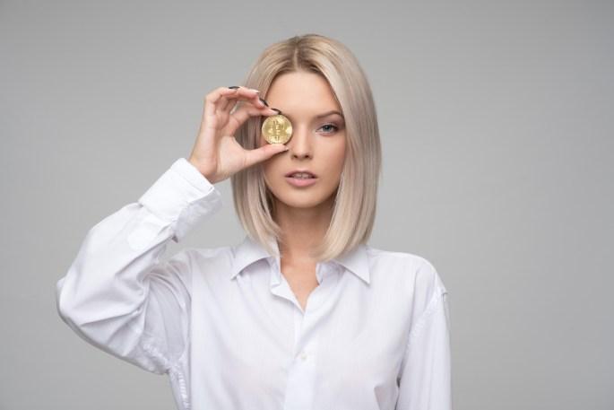 Women's White Button-up Long-sleeved Shirt