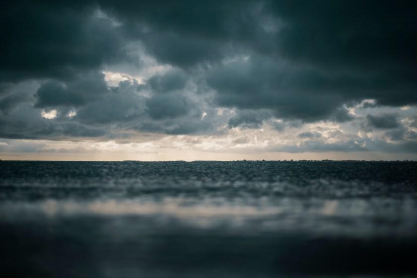 aube, ciel, coucher de soleil, faire l'amour dans un lieu public, plage, orage