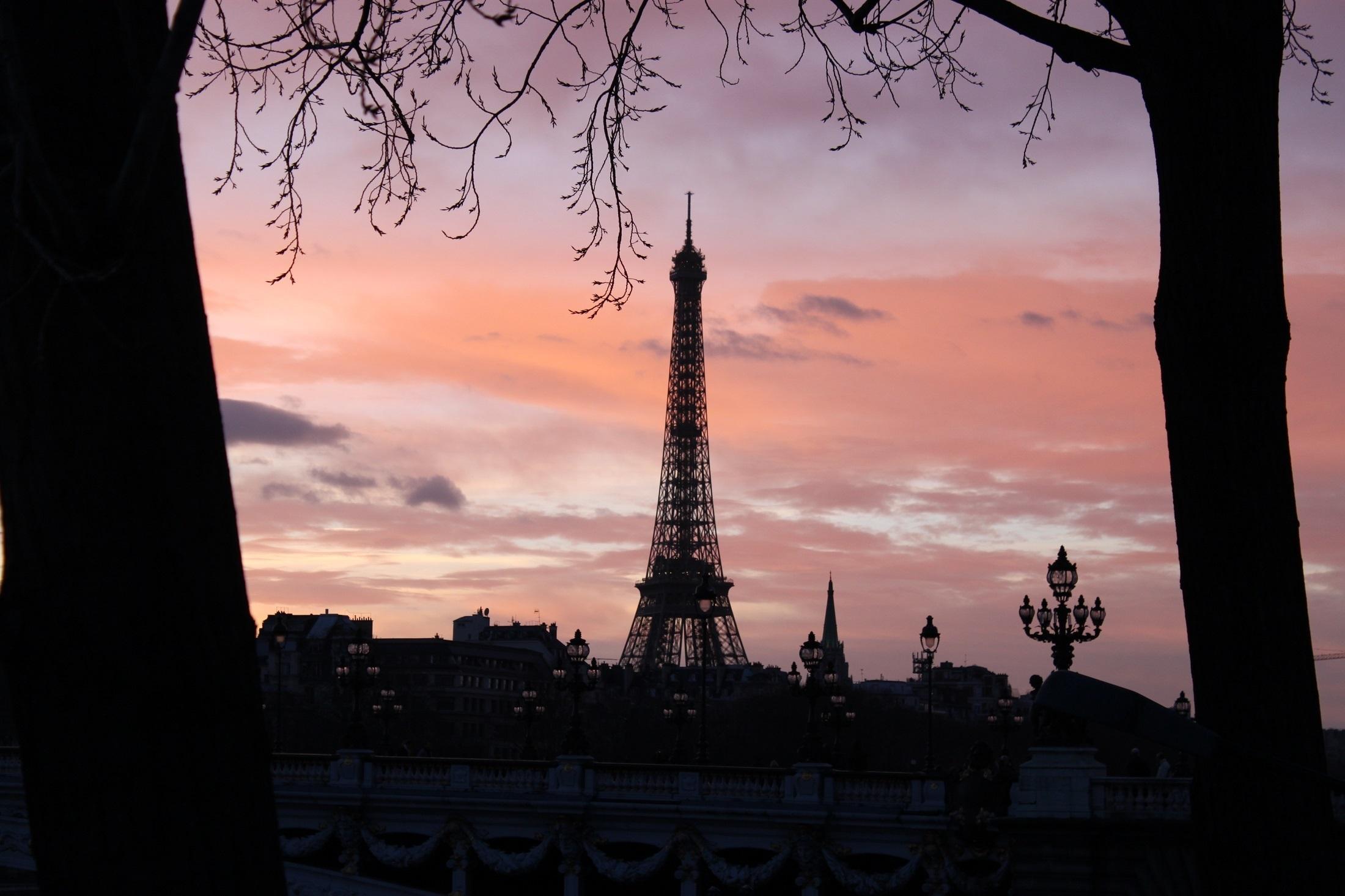 Lock Screen Wallpaper Hd Iphone 6 Eiffel Tower During Daytime 183 Free Stock Photo