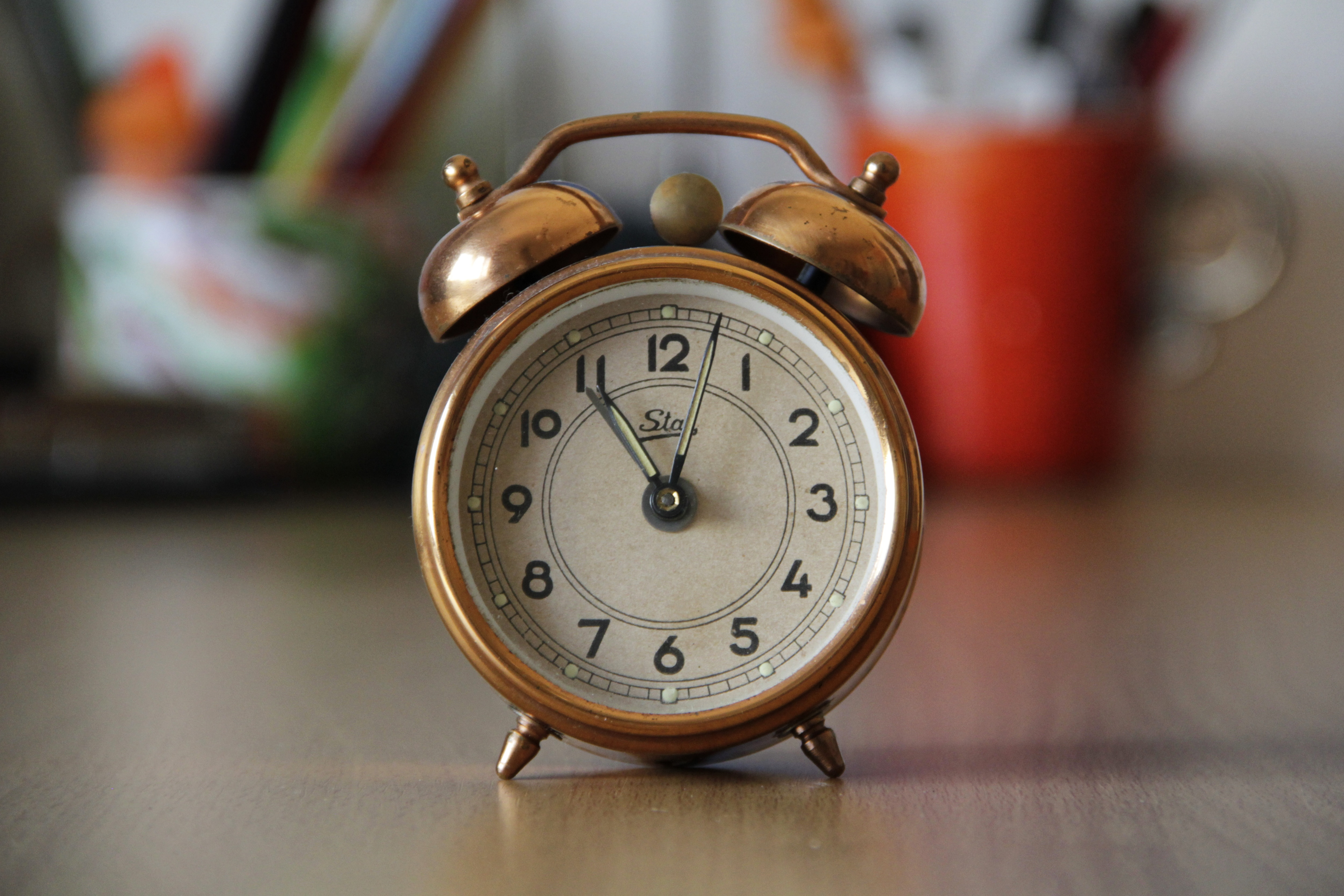 Best Iphone Wallpapers Hd Brass Pocket Watch Pointing At 5 43 183 Free Stock Photo