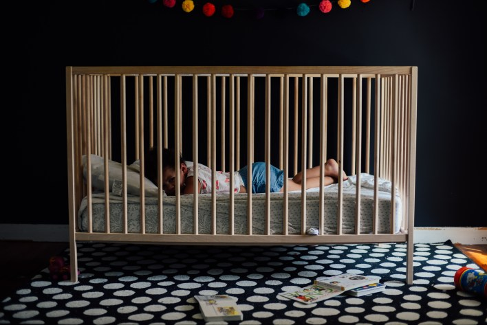 toddler crib
